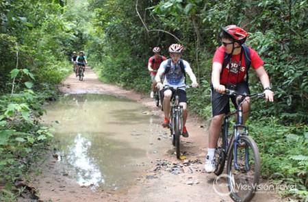 12-Day Angkor to Cadamon Mountain Tour