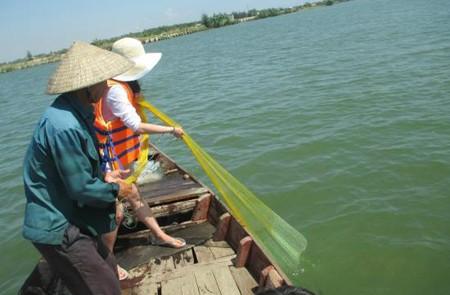Cast fishing net