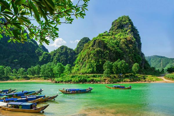 Boats on the river at Phong Nha National Park