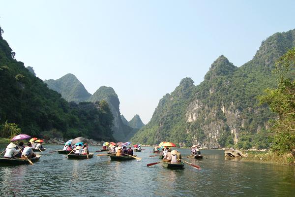 Boat trip along majestic landscape of Van Long Nature Reserve