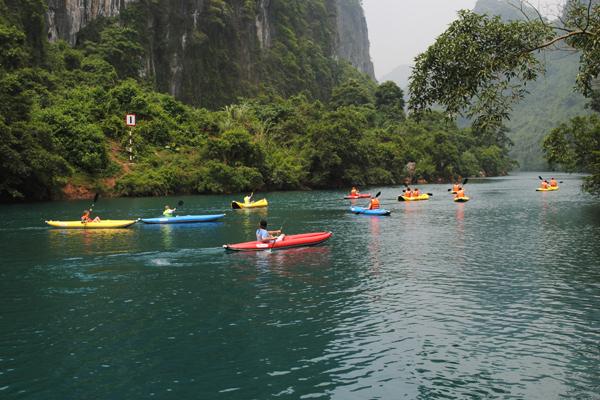 Kayaking among the spectacular scenery of Phong Nha