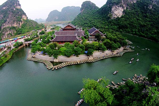 Bai Dinh pagoda from above