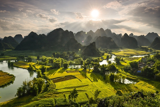 how to get to ban gioc waterfall cao bang vietnam