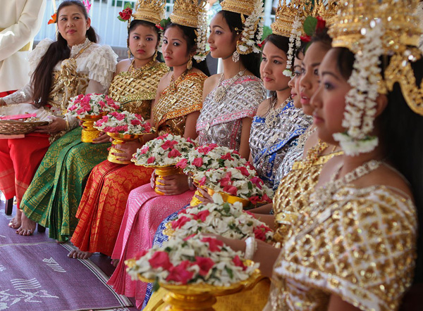 Khmer girls in Cambodian New Year Celebration