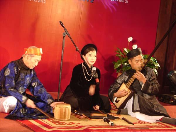 A show of Thang Long Ca tru Club in Vietnam.