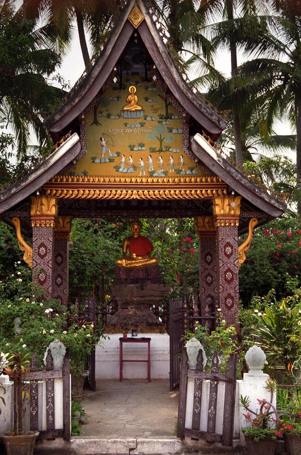 Buddha pavillion, Wat Xieng Thong, Luang Prabang, Laos