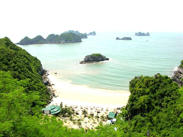 Cat Co Beach in Cat Ba District, Hai Phong
