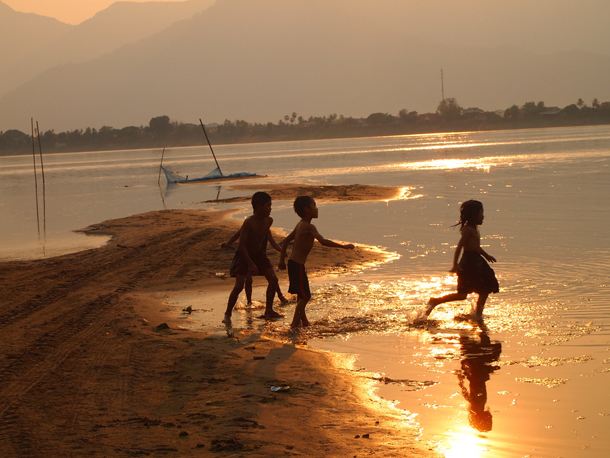 Children in Don Daeng Island, Laos