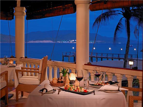 Dining in Evason Hideaway Ana Mandara