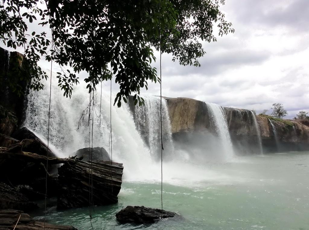 Gia Long Waterfalls, in Dak Lak, Vietnam