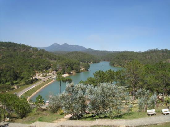 Lake of Sighs (Ho Than Tho) in Datlat, Vietnam