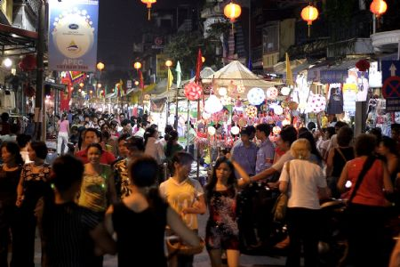 Night market in Old Quater
