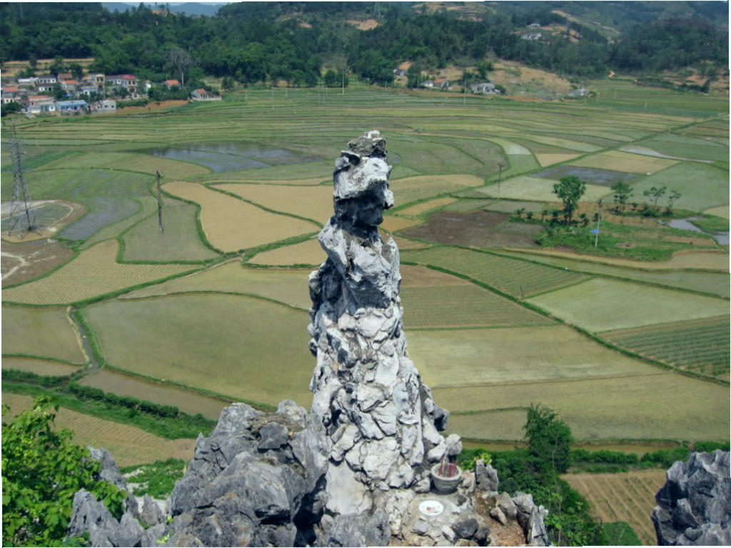 Shaped rock legend wife of Lang Son
