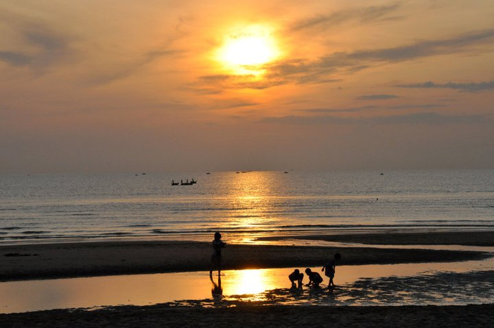 The Sun is going down on Cua Lo Beach, Nghe An province of Vietnam