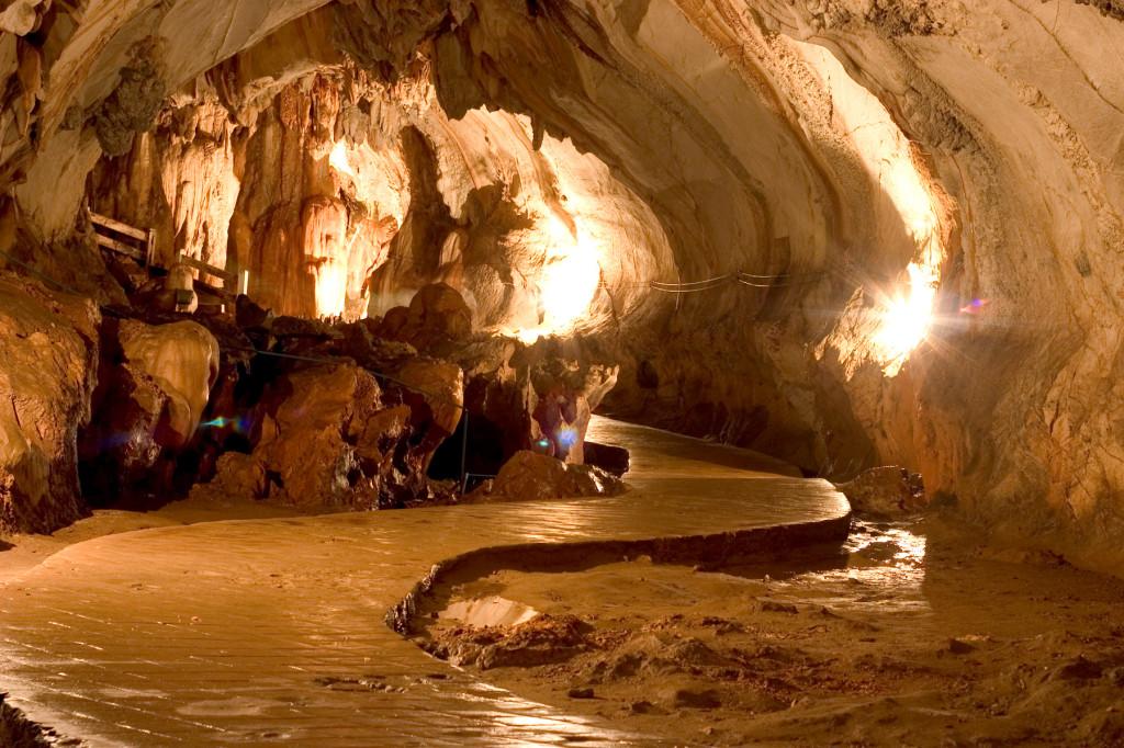 Tham Chang cave, Laos
