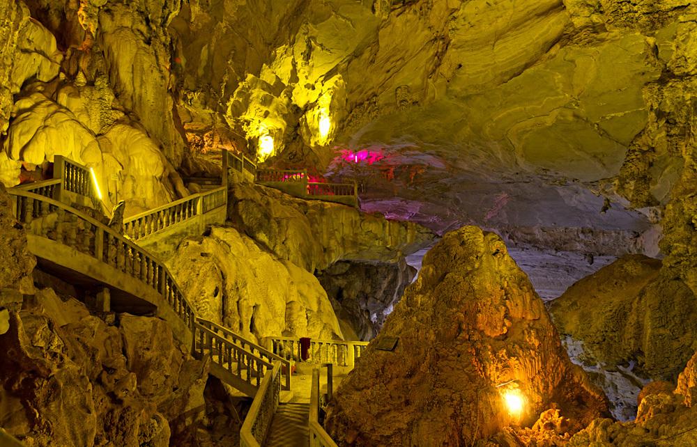 Tham Nang Aen Cave, Laos
