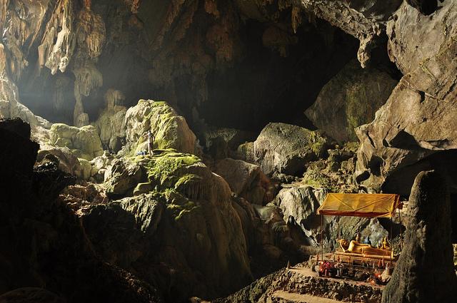 Tham Poukham cave, Laos