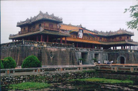 Photos Album Of Vietnam Traditional Architecture In Hue