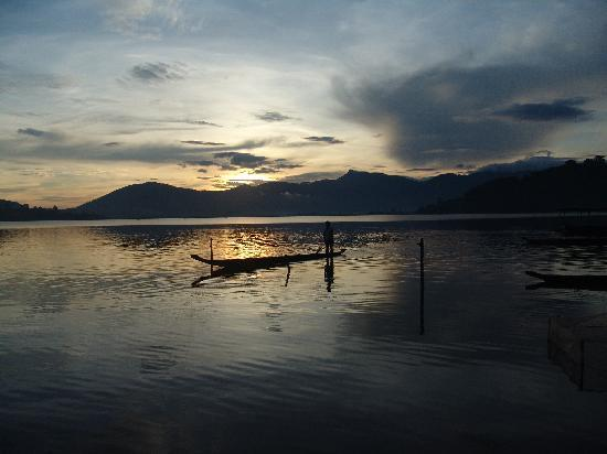 The simple life on Lak Lake, Dak Lak province
