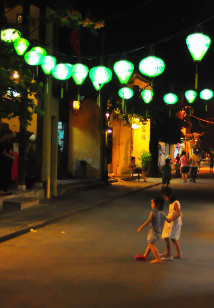 These two were doing there own walk, Hoian