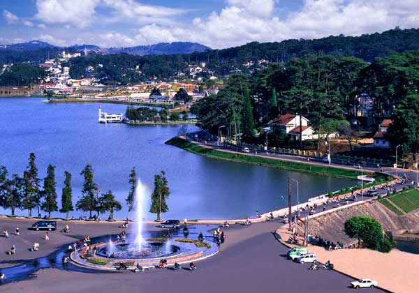 Xuan Huong Lake in Dalat, Vietnam