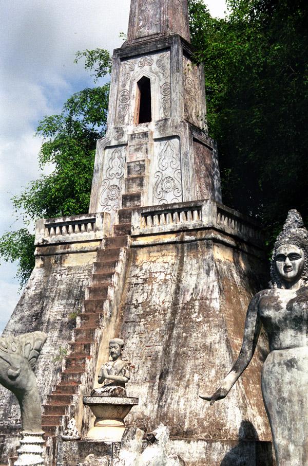 buddha_park_four