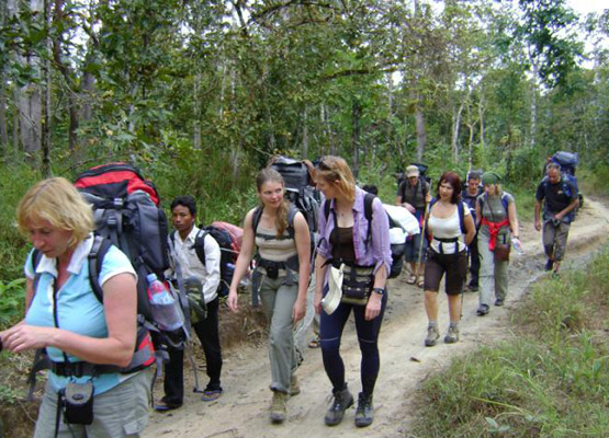 Trekking in Kep, Camboida