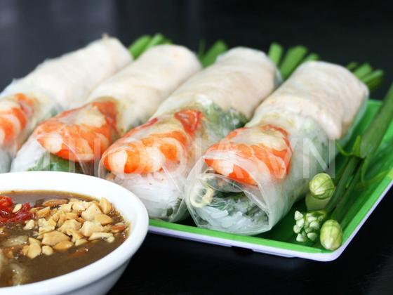 Nem cuon ( Fresh spring rolls with choices)