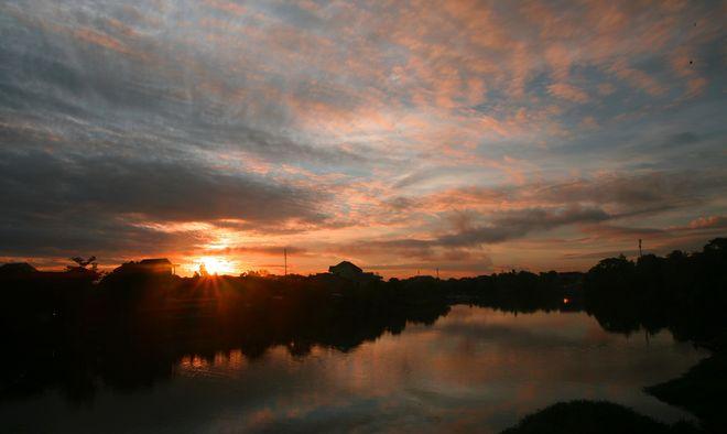 Nhu Y river at dawn.