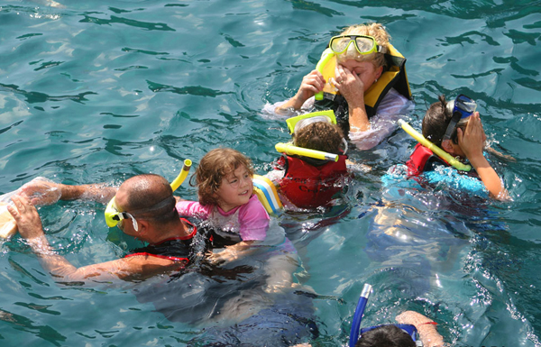 Family snorkeling with kids in Hoi An