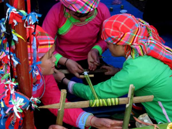 Giay women at Sapa