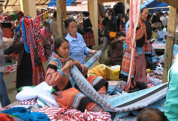 Hmong women in local market