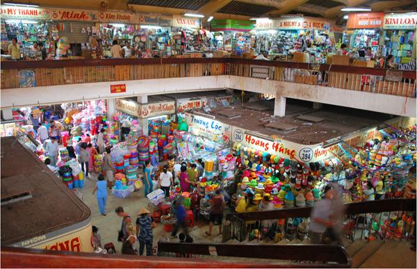 Inside Cho Lon market