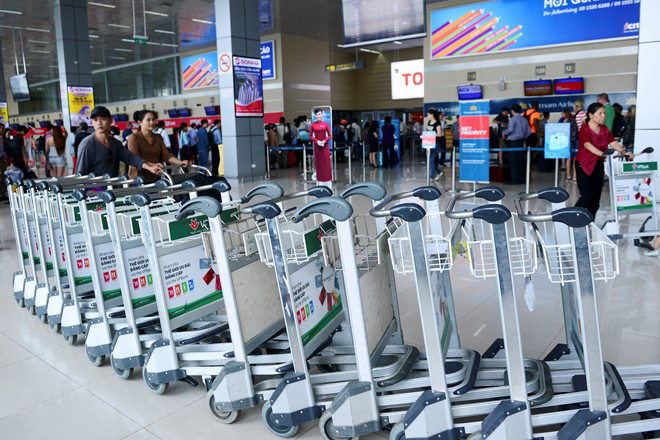 More than 500 new luggage trolleys were added at the station increase the total to more than 1,000 ones.