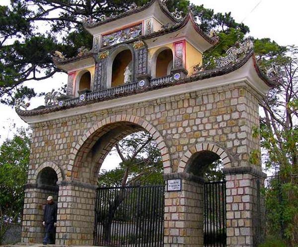 The Entrance of Lam Ty Ni Pagoda