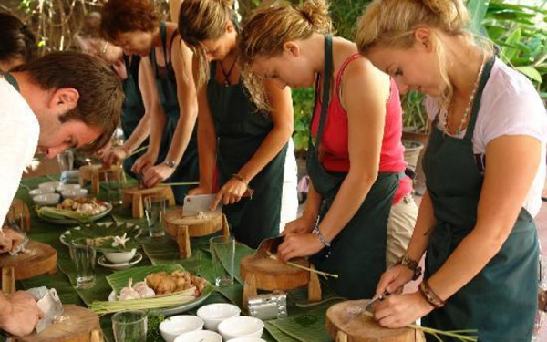 Join hand on Vietnamese Cooking Class in Saigon - Ho Chi Minh City
