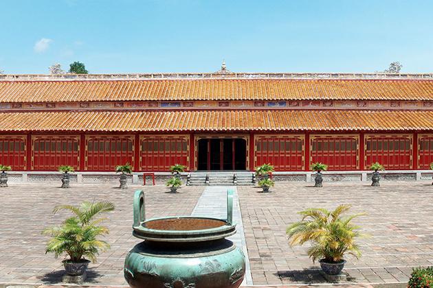 the mieu temple Hue city