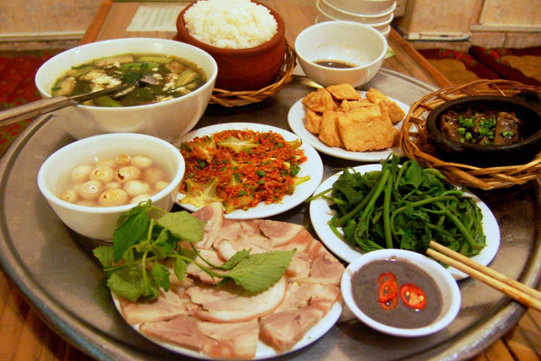 Traditional Vietnamese food served on tray