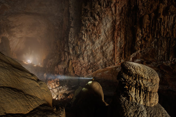 The largest subterrainian passage in Son Doong