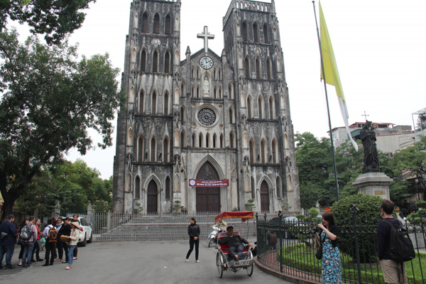 """Big"" Church in Hanoi"