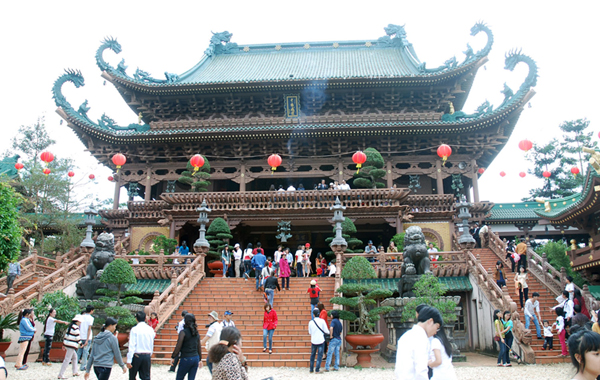New Year Pagoda Festivals Bustle in the North of Vietnam