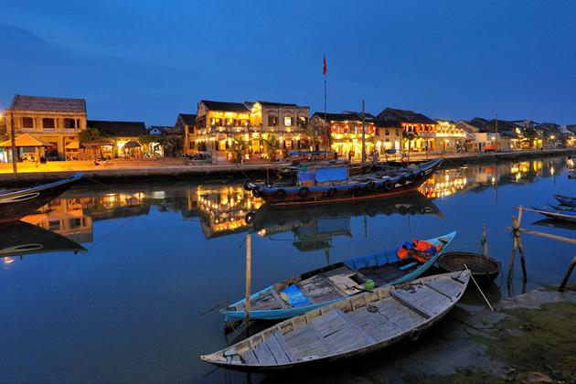Boating in Hoai river Hoi An