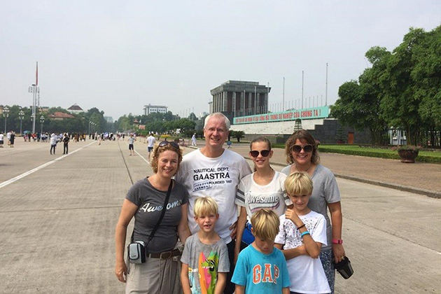 ba dinh square family tour in vietnam