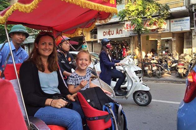 cyclo tour at hanoi old quarter