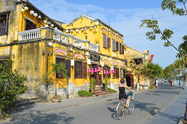 hoi an walking tour with the family