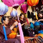 making lanterns in hoi an