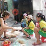 travel bat trang ceramic village with children