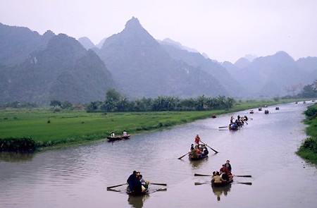 Boat trip to Perfume Pagoda vietnam classic tour packages