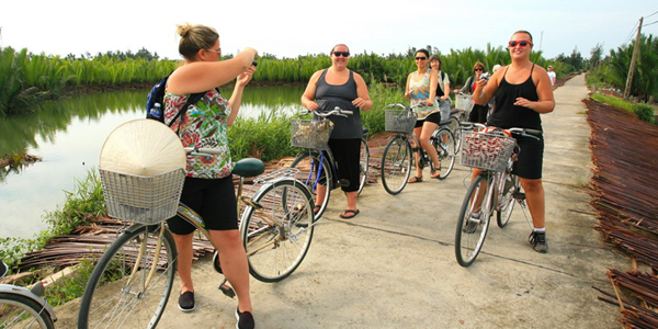 Cycling through the countryside area in Hoi An