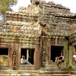 Discover the Temples of Angkor with kid during family trip